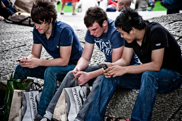 """Image (CC) - Gary Knight, """"Mobile Phones And Abercrombie"""" (Flickr)"""