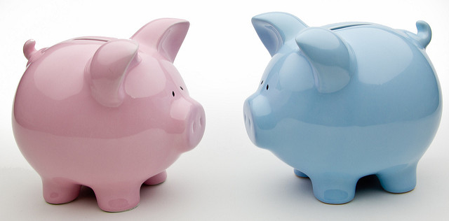 "Image (CC) - Ken Teegardin, ""Blue And Pink Piggy Banks"" (Flickr)"